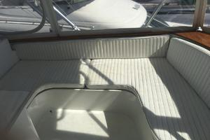 61' Buddy Davis 61 Sportfish 1989 Fwd Flybridge seating portside