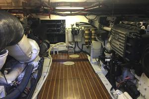 61' Buddy Davis 61 Sportfish 1989 Engine Room