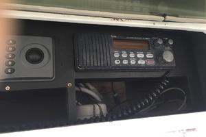 61' Buddy Davis 61 Sportfish 1989 Electronics - ICOM M125