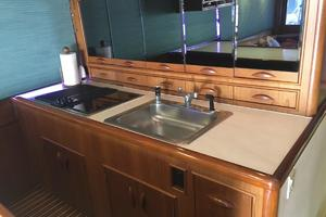 61' Buddy Davis 61 Sportfish 1989 Sink counter rangetop