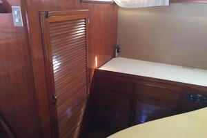 46' Overseas PT 46 Sundeck 1987 Hanging Locker