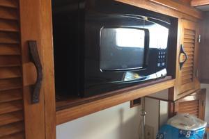 46' Overseas Pt 46 Sundeck 1987 Microwave