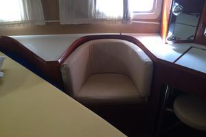 46' Overseas PT 46 Sundeck 1987 Seat