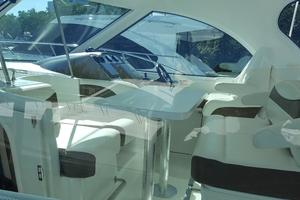 40' Cruisers Yachts 390 Sports Coupe 2008 Captain chair