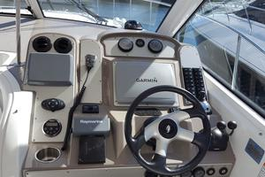40' Cruisers Yachts 390 Sports Coupe 2008 Helm