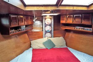 53' Bruce Roberts 53 Custom Ketch 2011 '11 Bruce Roberts 53' Ketch Owner's stateroom