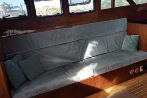 53' Bruce Roberts 53 Custom Ketch 2011 '11 Bruce Roberts 53' Ketch Starboard settee