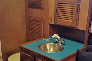 53' Bruce Roberts 53 Custom Ketch 2011 '11 Bruce Roberts 53' Ketch starboard head