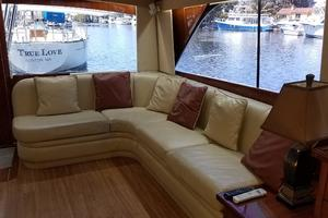 48' Ocean Yachts Super Sport 48 1990 Living area