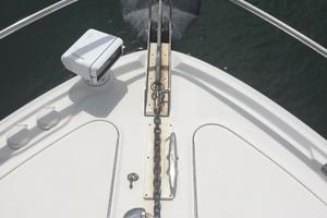 48' Sea Ray 480 Sundancer 2005 Top view Electric Windlass and Anchor