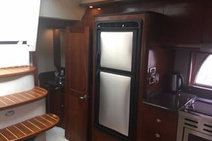 48' Sea Ray 480 Sundancer 2005 Freezer and Refrigerator