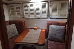 63' Mason Ketch 1982 Breakfast nook off the galley