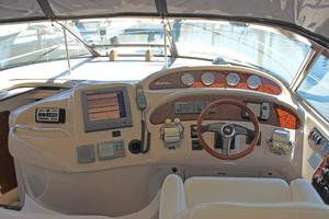 46' Sea Ray 460 Sundancer 2003 Helm Station Overview