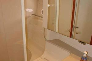 46' Sea Ray 460 Sundancer 2003 Forward Master Head W/VacuFlush Marine Toilet, Sink, & Shower Enclosure