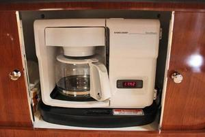 46' Sea Ray 460 Sundancer 2003 Black & Decker Coffee Maker