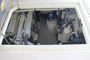 46' Sea Ray 460 Sundancer 2003 Large Engine Room Access Aft Cockpit