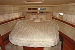 46' Sea Ray 460 Sundancer 2003 Forward Master Stateroom W/Full Side Bed