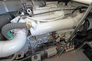 46' Sea Ray 460 Sundancer 2003 Starboard Engine