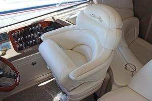 46' Sea Ray 460 Sundancer 2003 Swivel Captains Chair W/Flip-Up Bolster