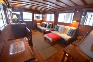 50' Marine Trader 50' Trawler 1981 1981 Marine Trader 50' Trawler, salon sofas