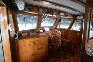 50' Marine Trader 50' Trawler 1981 1981 Marine Trader 50' Trawler, port side chart table
