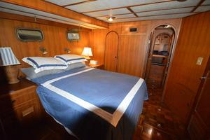 50' Marine Trader 50' Trawler 1981 1981 Marine Trader 50' Trawler, mid-cabin Guest Stateroom looking forward