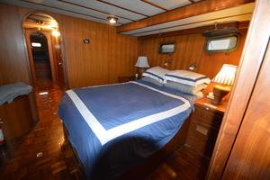 50' Marine Trader 50' Trawler 1981 1981 Marine Trader 50' Trawler, mid-cabin looking forward
