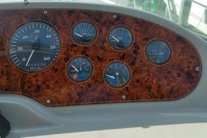 37' Maxum SCA 1998 Maxum SCR 3700 Engine Gauges Starboard Side.jpg