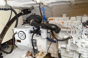 45' Bruce Roberts Waverunner 2003 Phasor Generator 2.JPG