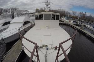 45' Bruce Roberts Waverunner 2003 Pilothouse from Pulpit.jpg