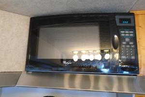 45' Bruce Roberts Waverunner 2003 Microwave.JPG
