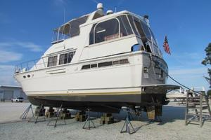 46' Jefferson Motor Yacht 1994 Profile Port Forward