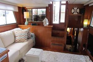 46' Jefferson Motor Yacht 1994 Salon Aft View
