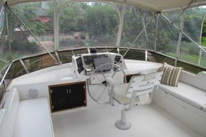 46' Jefferson Motor Yacht 1994 Flybridge Forward View