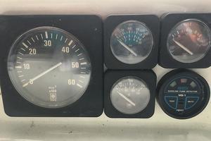 46' Tollycraft 39 SPORT 1990 Tollycraft 39 sport gauges 2.JPG