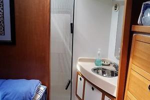 42' Catalina MkII 2001 2001 Catalina 42 Master Stateroom Head 063017.jpg