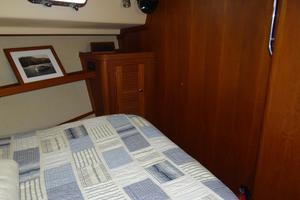 44' Island Packet 440 2007 Forward Stateroom - Great Storage