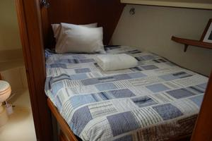 44' Island Packet 440 2007 Forward Stateroom Offset Double Berth