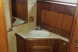 38' Californian 38 Motor Yacht 1984 19 Master Stateroom Head.jpg