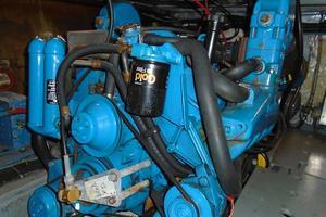 38' Californian 38 Motor Yacht 1984 25 Starboard Engine.JPG