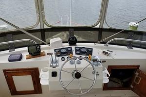 38' Californian 38 Motor Yacht 1984 05 Bridge Controls.jpg