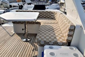 58' Hampton 580 Pilothouse 2008 Fly Bridge Lounge