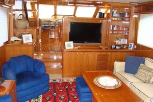 58' Hampton 580 Pilothouse 2008 Salon