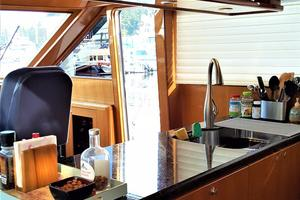 58' Hampton 580 Pilothouse 2008 Galley