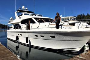 58' Hampton 580 Pilothouse 2008 Bow