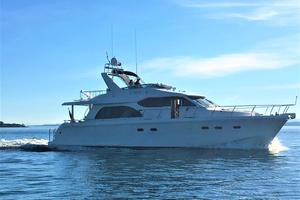 58' Hampton 580 Pilothouse 2008 Underway