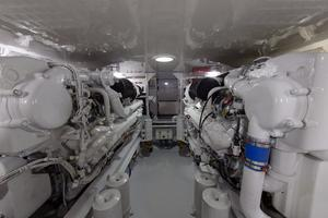 52' Viking 52 Convertible 2002 Engine Room