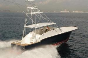52' Buddy Davis Express 2006 Offshore at speed