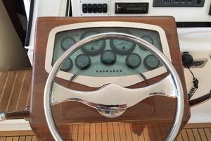 52' Buddy Davis Express 2006 Helm