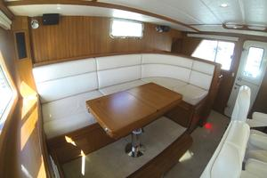 52' Krogen 52 2012 Settee That Converts To Double Watch Berth